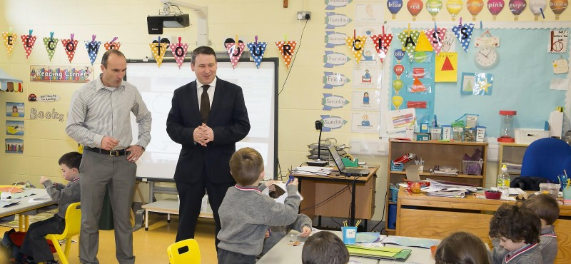 Joe Carey TD with principal Ray McInerney during a visit to Ennis National School. Photograph by Yvonne Vaughan Photography.